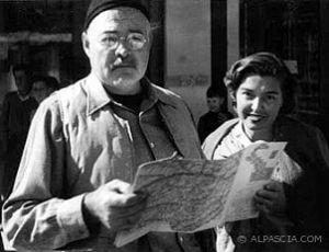 Ernest-Hemingway-e-Fernanda-Pivano-Tra-vino-pipa-e-letteratura-una-ragazza-italiana-Alpascia-img-99520-w302-h232